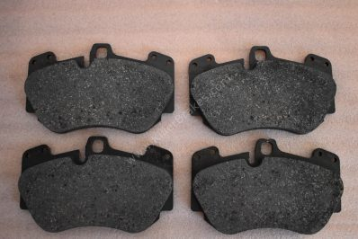 New Genuine Audi Rs5 R8 Ceramic Front Pads 6pot calipers Brembo 4E0698151g NEW