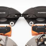 MQB Brake Kit Porsche Macan Brembo 4pot DBA 345x30mm Slotted discs NEW- 3